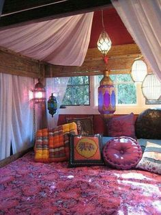Clasic Romantic Interior Bedroom Design Ideas With Lighting Design And With Hanging Lamp Meditation Room Ideas : Get peace and focus at meditation your room Interior Design