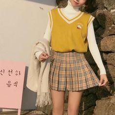 Korean Fashion – How to Dress up Korean Style – Designer Fashion Tips Skirt Fashion, Fashion Outfits, Womens Fashion, Fashion Tips, Pretty Outfits, Cool Outfits, College Fashion, College Style, New Fashion Trends
