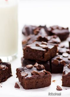 Black Bean Brownies Recipe - Healthy fudgy brownies made with black beans and dates. No flour, no refined sugars, no butter. And they are delicious!