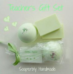 Teacher's Gift Set, Green Apple fragrance, Bath bomb and luxury soap bar, gifts for teachers, Handmade with love