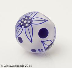 Artisan Lampwork beads by Romana    Approx. Dimensions:  1 etched round Bead..................17x19mm hole