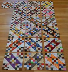 Nine patch quilting patterns bonnie hunter Ideas Bonnie Hunter, 9 Patch Quilt, Scrappy Quilts, Mini Quilts, Quilting Projects, Quilting Designs, Quilt Blocks Easy, Scrap Quilt Patterns, Half Square Triangle Quilts
