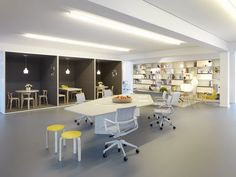 Vitra Studio Office by Sevil Peach Interior Design Work, Modern Office Design, Workplace Design, Corporate Interiors, Office Interiors, Kitchen Booths, Startup Office, Student House, Office Workspace