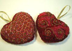 Handmade eлочные игрушки: сердце из бисера