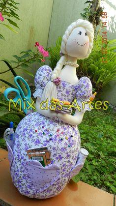 Boneca Costureira...By Mix das Artes