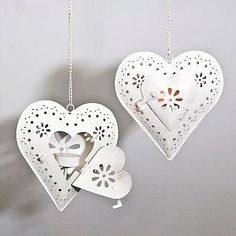 10 Hot Wedding Trends for 2013--#5 Laser Cuts: Tea Light Holders  (www.3d-memoirs.com) #laser_cuts #weddings