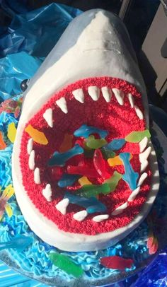 Shark Cake This was a birthday cake for a little girl who had a shark themed pool party. Shark Birthday Cakes, Novelty Birthday Cakes, 6th Birthday Parties, Birthday Fun, Birthday Ideas, Drip Cakes, Shark Cake, Animal Cakes, Fondant