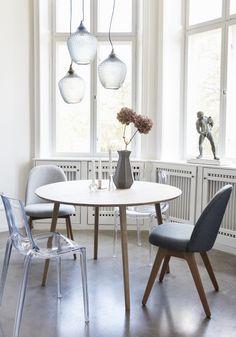 Stół OAK od Hübsch