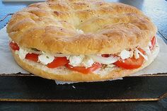 Pizza Snacks, Party Snacks, Party Finger Foods, Party Buffet, Wrap Sandwiches, Pampered Chef, Diy Food, Bagel, Good Food