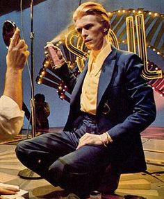 """#Music #80sMusic #PopMusic brought to you by williamotoole.com/RobHollis1 David Bowie on """"Soul Train,"""" 1975."""