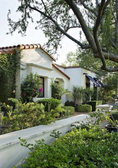 """The project is an adaptive reuse of a late 50's Spanish ranch within the early Paradise Valley subdivision, Casa Blanca Estates. The homeowners desired a """"Santa Barbara Style"""" which would work with…"""