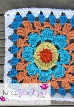 A bright, flower granny square crochet pattern because Spring is here!