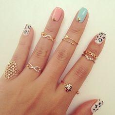 Manicure + anillos tiernos = LOVE!
