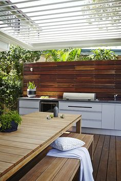 Obtain our finest ideas for outdoor cooking areas, including captivating outdoor kitchen decor, backyard enhancing ideas, as well as photos of outdoor kitchens. Home, Outdoor Kitchen Design, Outdoor Decor, Diy Outdoor Kitchen, Outdoor Kitchen, Outdoor Rooms, Rustic Outdoor Kitchens, Modern Outdoor Kitchen, Outdoor Design