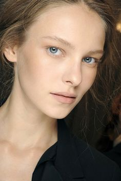 """Alberta Ferretti- """"Whimsical"""" and """"fresh"""" were just two of the words Lucia Pieroni used to describe the look at Alberta Ferretti, where she applied MAC Pro Paint Pot in Groundwork across the nose, forehead, cheeks and chin for a natural radiance, adding Casual Colour in Have A Lovely Day! onto cheeks for a pretty flush."""