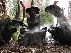 30 Creepy Outdoor Halloween Decorations Ideas