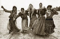 Tzigane From Greece XX century Boho Life, Gypsy Life, Gypsy Soul, Gypsy Culture, Anime In, Emo, Boho Rock, Gypsy Women, Gypsy Living