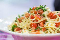 Katherine Heigl cooks her favorite summer pasta recipe and Italian margarita