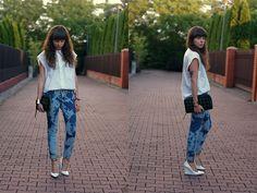 Blue jeans, white shirt... (by Katarzyna M. A.) http://lookbook.nu/look/3755765-blue-jeans-white-shirt