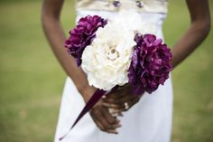 Chesapeake Golf Course Wedding | Purple and white bridal bouquet