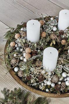 Christmas Decorations For The Home, Xmas Decorations, Christmas Wreaths, Christmas Crafts, Christmas Ornaments, Holiday Decor, Christmas Jingles, Christmas Mood, Flower Factory