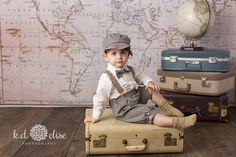 World Traveler themed children's photoshoot with world map backdrop, red peddle-car and vintage suitcases by Pueblo photographer K. Vintage First Birthday, Boy First Birthday, Children Photography Poses, Toddler Photography, Foto Baby, Vintage Boys, Boy Pictures, Vintage Suitcases, Baby Photos