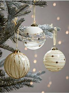 Christmas Tree Inspiration, Christmas Trends, Gold Christmas, Christmas Holidays, Christmas Christmas, Xmas Baubles, Christmas Interiors, Christmas Ornament Crafts, Diy Weihnachten