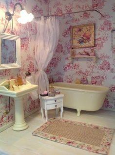 Miniature Bathroom #collectibles #miniature #mini #design #crafts #dollhouse