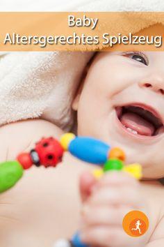 Sicher werden Sie schon vor der Geburt gefragt, was Sie für Ihr Kind noch benötigen. Wie wäre es, wenn Sie sich schon einige Spielsachen schenken lassen würden, die sonst relativ teuer sind? Welche Spielsachen auf der Liste stehen könnten, erfahren Sie hier.  #baby #kleinkind #spielzeug #gefährlich #alter #holz #gesund #zähne #geschenk #sicherheit #bücher #spaß #altersgerecht #freunde #familie #kind #freude #plastik #papier Alter, Children, Face, Birth, Friends Family, Kids, Safety, Young Children, Boys