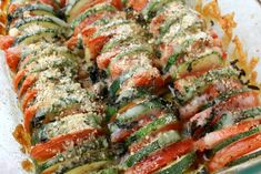This Healthy Zucchini Tomato Bake is an easy way to use up all your summer vegetables. Fresh, healthy and full of flavor- it's the perfect side dish! Baked Tomato Recipes, Fruit Recipes, Paleo Recipes, Zucchini Tomato, Healthy Zucchini, Healthy Food, Quick Side Dishes, Dinner Is Served, Food Hacks