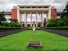 UP Diliman, 18 Beautiful College Campuses In The Philippines Famous Buildings, Old Buildings, Philippines Wallpaper, Filipino Art, Quezon City, College Campus, Most Beautiful, Scenery, Mansions
