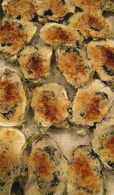 I love oysters on the half shell, but if they& too big and briny they can kinda make me gag. But, the big ones are good for one thing: Oysters Rockefeller. Oysters Rockefeller were created at the famous Antoine& owned by Antoine Alciatore, in New O Oyster Recipes, Cajun Recipes, Fish Recipes, Seafood Recipes, Appetizer Recipes, Great Recipes, Appetizers, Cooking Recipes, Favorite Recipes