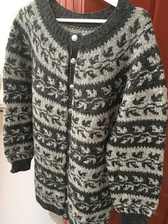 Ravelry: hellemyrvik's Gammel telemark - kofte gray You are in the right place about pulli sitricken Fair Isle Knitting Patterns, Fair Isle Pattern, Knitting Designs, Knit Patterns, Pullover Upcycling, Handgestrickte Pullover, Fair Isles, Hand Knitted Sweaters, How To Purl Knit