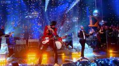 Kasabian - Fire Live on Jools' Annual Hootenanny New Year 2009 - 2010