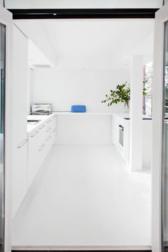 Situated in the Saimaa in southeastern Finland, the Lakeside House is a boxy building perched on the slope block overlooking the magnificent lake view, Kitchen Interior, Interior And Exterior, Kitchen Furniture, Kitchen Design, Furniture Design, Minimalist Home, Minimalist Design, Interior Decorating, Interior Design