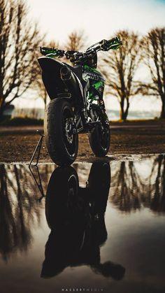 - Motocross/Dirtbikes/Enduro/Supermoto♡ - Bike's For You 🚲 Ducati, Moto Bike, Motorcycle Bike, Kawasaki Ninja Bike, Triumph Motorcycles, Motocross Maschinen, Motocross Videos, Photo Pour Instagram, Vespa Vintage