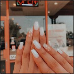 In seek out some nail designs and ideas for your nails? Listed here is our set of must-try coffin acrylic nails for fashionable women. Acrylic Nails Coffin Short, Simple Acrylic Nails, Square Acrylic Nails, White Acrylic Nails, Summer Acrylic Nails Designs, Simple Nails, Acrylic Nails With Design, White Nails With Glitter, Squoval Acrylic Nails