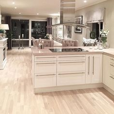 Credit: - Architecture and Home Decor - Bedroom - Bathroom - Kitchen And Living Room Interior Design Decorating Ideas - Cottage Kitchens, Home Kitchens, Home Decor Shops, Home Decor Items, New Kitchen, Kitchen Decor, Kitchen Pantry, Kitchen Cabinets, Küchen Design