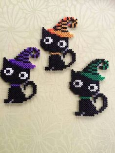 Kids Crafts halloween crafts for kids/black cats Melty Bead Patterns, Pearler Bead Patterns, Beading Patterns, Perler Patterns, Perler Bead Templates, Diy Perler Beads, Perler Bead Art, Hama Beads Halloween, Halloween Crafts