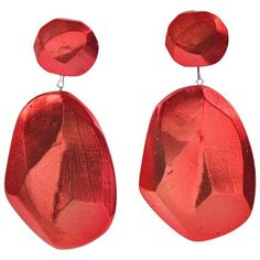 Preowned Rare Vintage Oversized Cast Resin Drop Clip On Earrings By... (1.115 RON) ❤ liked on Polyvore featuring jewelry, earrings, red, drop earrings, drop dangle earrings, vintage drop earrings, clip on earrings, vintage clip earrings and vintage clip on earrings