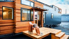 This Urban Payette by Truform Tiny has a private office with a barn door and a built-in couch with storage underneath! The home also has a full solar panel array for off-grid living. Tiny House Exterior, Tiny House Builders, Tiny House Plans, Tiny House Design, Tiny House On Wheels, Home Builders, Colorado Springs, Trailers, Colors