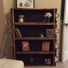 Ammo crate idea bookshelf The Effective Pictures We Offer You About Wooden crates bookshelf bookshel Crate Bookshelf, Bookshelves, Wooden Crates, Wooden Diy, Diy Home Crafts, Diy Home Decor, Classic Office Furniture, Comfortable Office Chair, Furniture Making