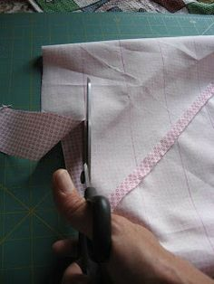 The Sewing Attic: Continuous Bias Binding - Tutorial