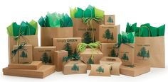 Green packaging, also known as sustainable packaging or eco-friendly packaging, is made of recycled or biodegradable materials. Businesses are using green packaging to minimize the production cost and carbon footprints as well. Packaging World, Types Of Packaging, Gift Box Packaging, Packaging Design, Custom Packaging, Packaging Ideas, Green Marketing, Packaging Solutions, Custom Boxes