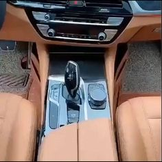 😍Every car needs it😍 👍Prevent Small Items Drop into the Gap Fills the gap between console and car seat. Bmw I8, Car Interior Decor, Interior Decorating, Car Interior Design, Car Decorating, Custom Car Interior, Interior Ideas, Diy Auto, Auto Gif