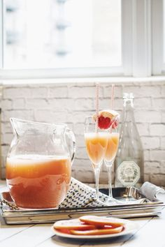 3 Cozy Winter Brunches to Make at Home: Grapefruit Mimosas #cocktail #brunch #theeverygirl