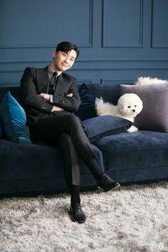 seo joon with simba ^_^ lovely. Park Seo Joon Abs, Joon Park, Park Seo Jun, Korean Celebrities, Korean Actors, Korean Dramas, Celebs, Song Jae Rim, Ji Chan Wook