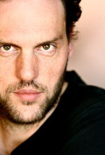 Silas Weir Mitchell, american actor that has been in everything from My Name is Earl to Prison Break to Flag of our Fathers... Presently he plays Monroe in Grimm. Great character, great actor.