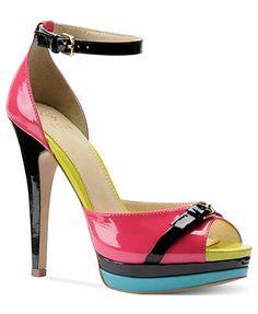 Isola Shoes, Daisi Platform Pumps