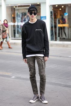 Korean Friends - round-neck t-shirt, crew neck sweatshirt, toque, sunglasses
